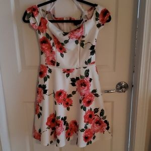 Size 3/4 Dress with Flower Print